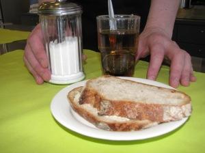 Teetä ja leipää Hermannissa